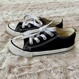 Converse Chuck Taylor's Kids Shoe 9 Black Canvas